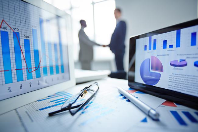 How Choosing a Compliant Broker Benefits Traders
