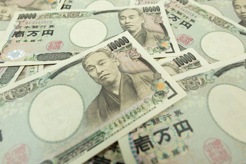 easyMarkets highlights three currencies to watch in times of political instability