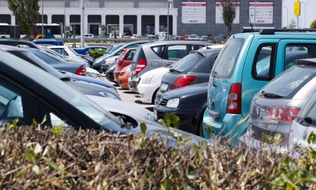 OVER A THIRD OF BRITS WOULD BE PUT OFF A PROPERTY BY THE CARS PARKED OUTSIDE