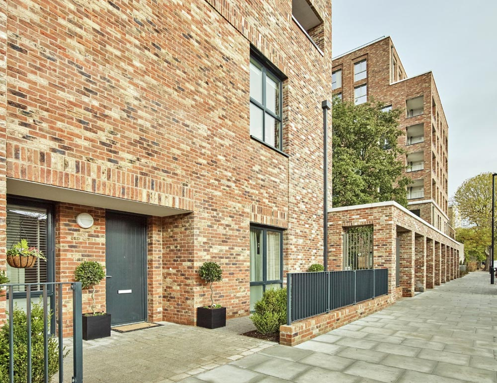 Überhaus Show Home Offers The Wow Factor At Acton Gardens
