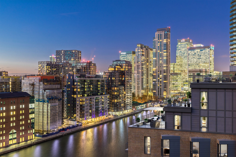 Canary Wharf Embraces Summer Screens2