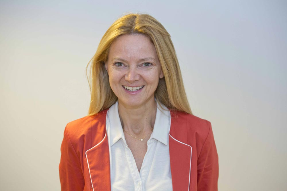 Ms Claudia Belli