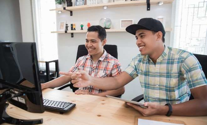 How to manage employee wellbeing in a small business