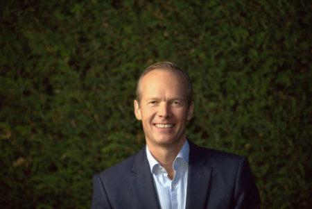 Nils J.van der Zijl