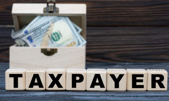 Self-employed taxpayers and Making Tax Digital 42