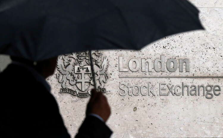 FTSE 100 ends lower as pound jumps after inflation rises further in June 37