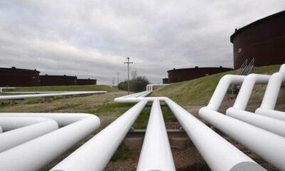 Oil falls $1 as coronavirus, slower China imports hit demand 5