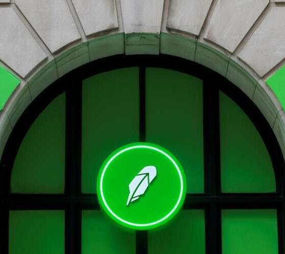 Online brokerage Robinhood jumps 29% to surge past offer price 39