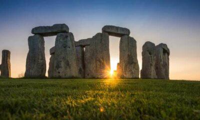 Geological analysis explains durability of Stonehenge megaliths 53