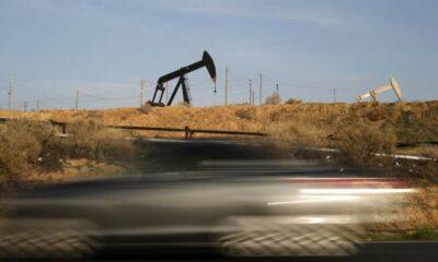 U.S. Senate Democrats target Big Oil for carbon polluters fund 45