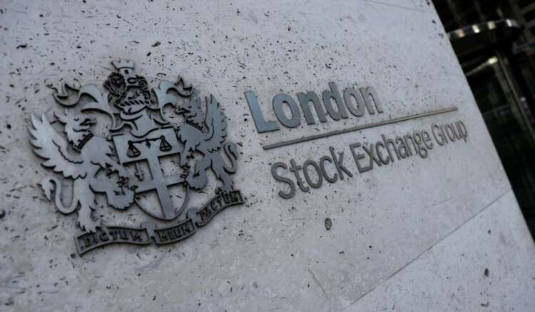 FTSE 100 weighed down by Rio Tinto, Aviva leads gains 41