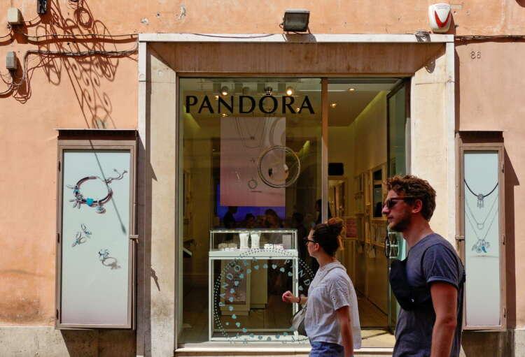 Jewellery maker Pandora bets on 'Gen Z' to boost sales 41