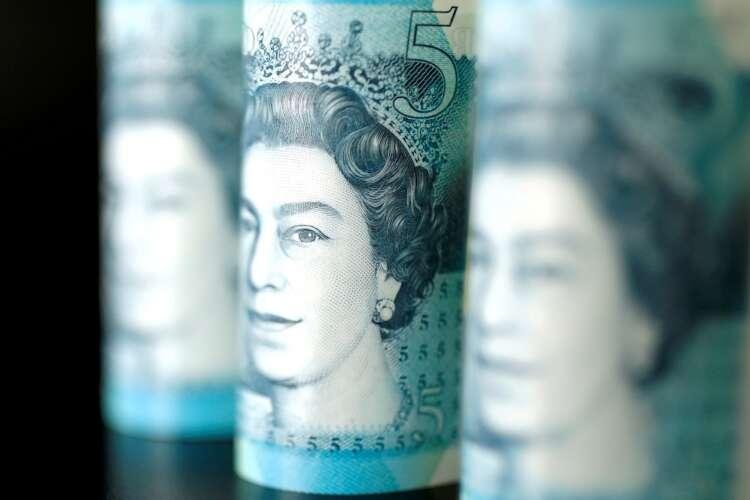 UK's first green gilt draws record $137 billion demand 41