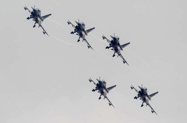 China's biggest air show to display self-sufficiency drive, military prowess 41