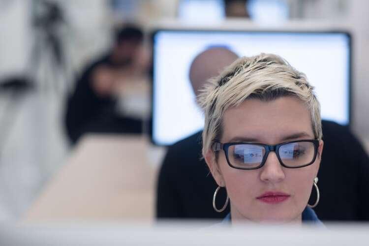 Streamlining Workflows in a Decentralised Workforce 41
