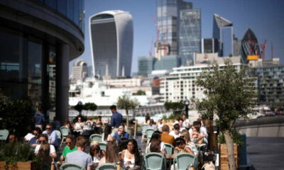UK economy picks up in August, underpinning BoE rate hike bets 58