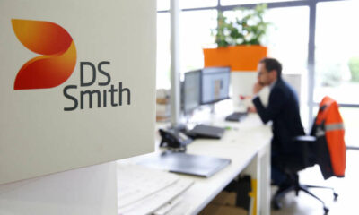 DS Smith says cardboard box volumes strong; flags higher costs 1